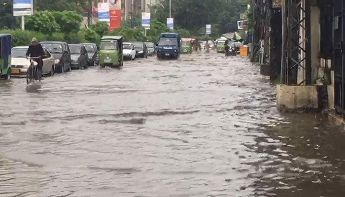 ملک کے مختلف علاقوں میں بارش