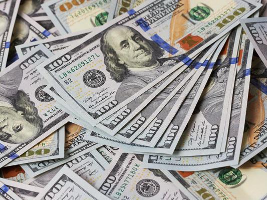 Photo of کاروبار کے اختتام پر ڈالر کی قیمت میں کتنی کمی ؟