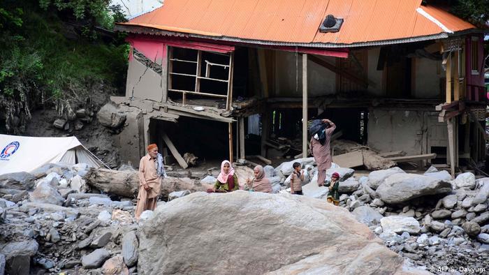 کشمیر میں تباہ کن سیلاب، 'میری تو پوری دنیا ہی لُٹ گئی'