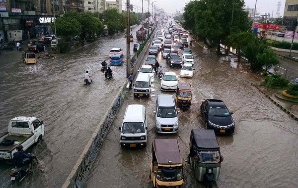 Photo of کراچی: بارش رکنے باوجود مشکلات برقرار