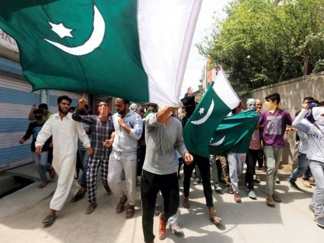 پاکستانی نوجوان کو امریکہ میں جرمانہ ہو گیا جج  فرینک کیپریو کی عدالت