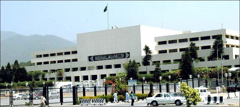 عمران خان کے ایوان میں نہ پہنچنے پر اپوزیشن کا احتجاج