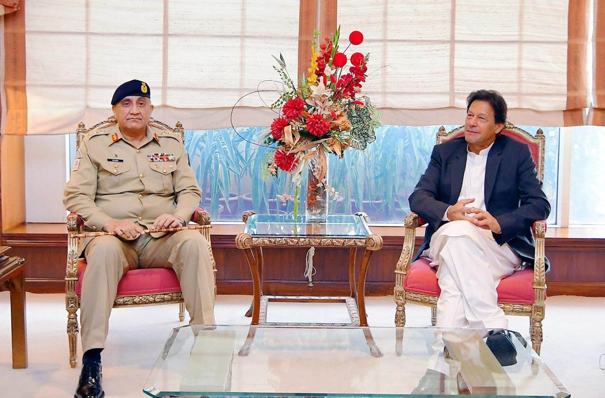 Photo of وزیراعظم عمران خان سے آرمی چیف جنرل قمر جاوید باجوہ نے ملاقات کی