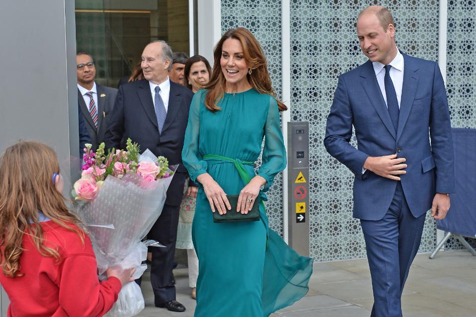 Photo of برطانوی شاہی خاندان کے شہزادہ ولیم اور ان کی اہلیہ ڈچز آف کیمبرج کیٹ مڈلٹن آج  پاکستان کے دورے پر آئیں گے