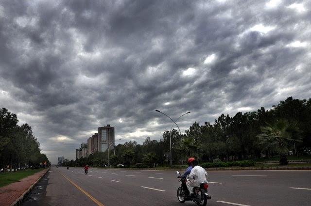 Photo of لاہور، اسلام آباد سمیت ملک کے مختلف علاقوں میں بارش